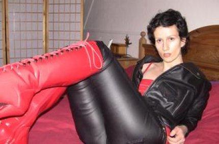 Profil von: Raubkatze-Klara - leder stiefel sex, girls oral